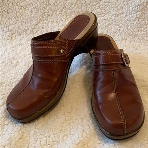 Bass Leona Brown Leather Slip On Clogs Size 8